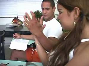 Shemale blows her fellow-student in the classroom