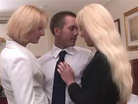 Two blonde shemales and guy suck cocks each other