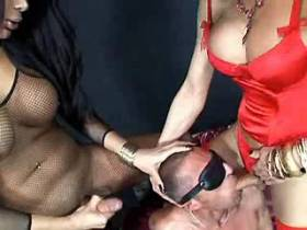 Two shemales and guy fuck each other and jizz together